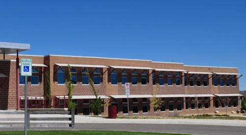 Small photo of Mammoth Heights Elementary School in Colorado